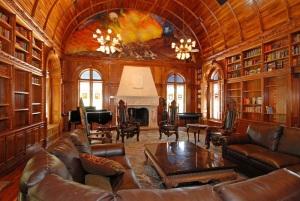 M_Old_World_interior_Chateau_de_Vie